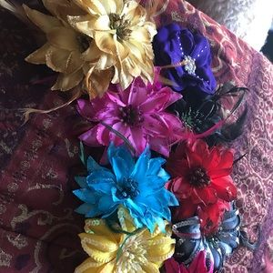 Flower hair clips (sold individually)